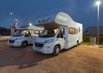 camper-parking-gallipoli-by-night-1