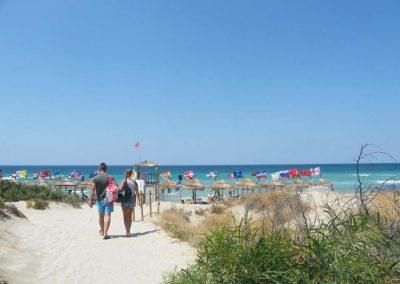 free-beach-by-camper-parking-area-gallipoli-13